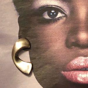Super vintage curved earrings